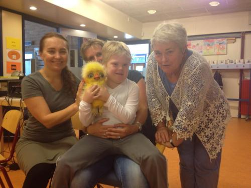 Christina met een leerling en Lenie Reussink van SBO de ark.